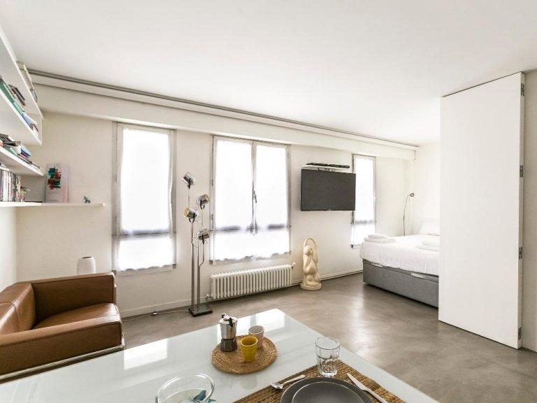 Stylish studio apartment for rent in Paris 1