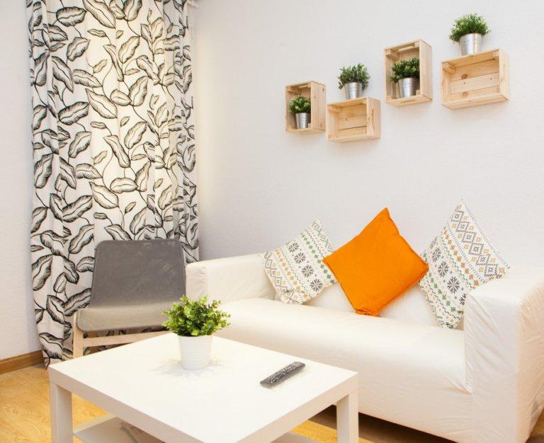 Nice 3-bedroom apartment for rent in Puerta del Ángel