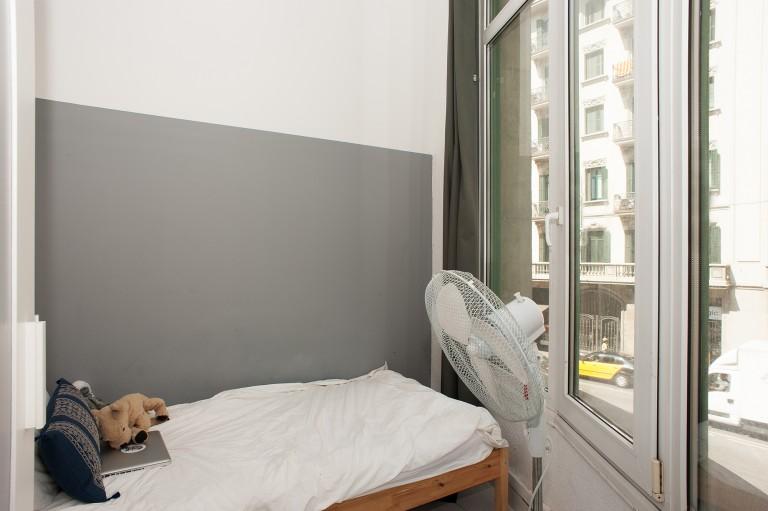 Cozy room in shared apartment in El Born, Barcelona