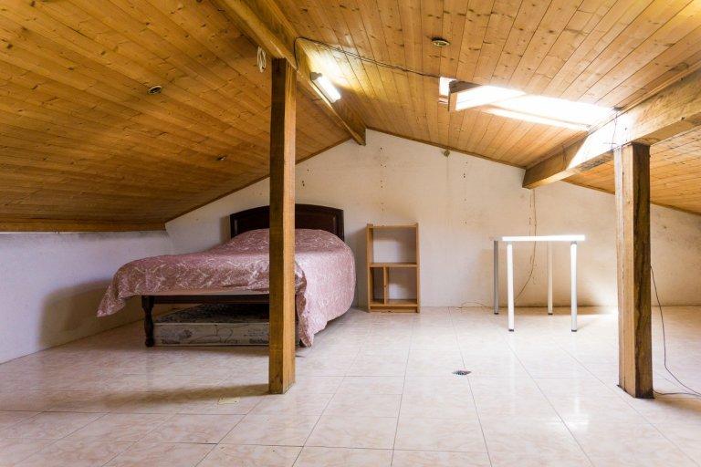 Habitación en piso compartido en Oporto