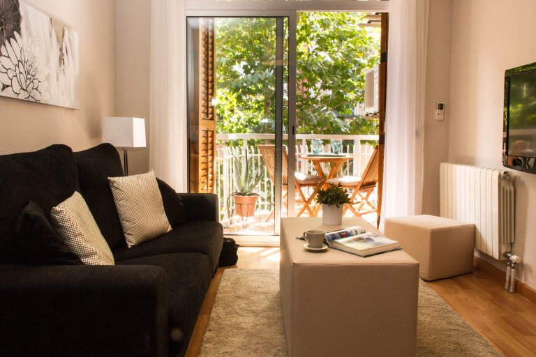 Trendy 3-bedroom apartment for rent in Gràcia, Barcelona