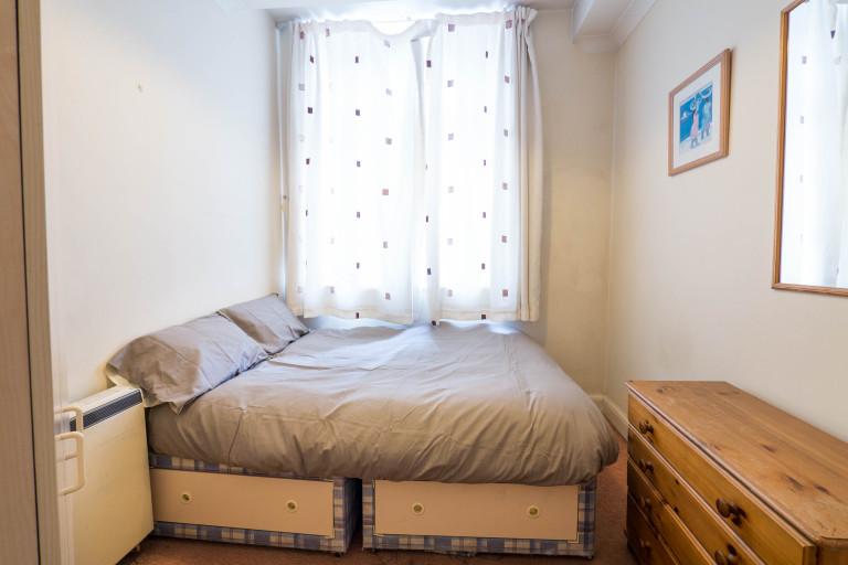 Bedroom B - Double bed