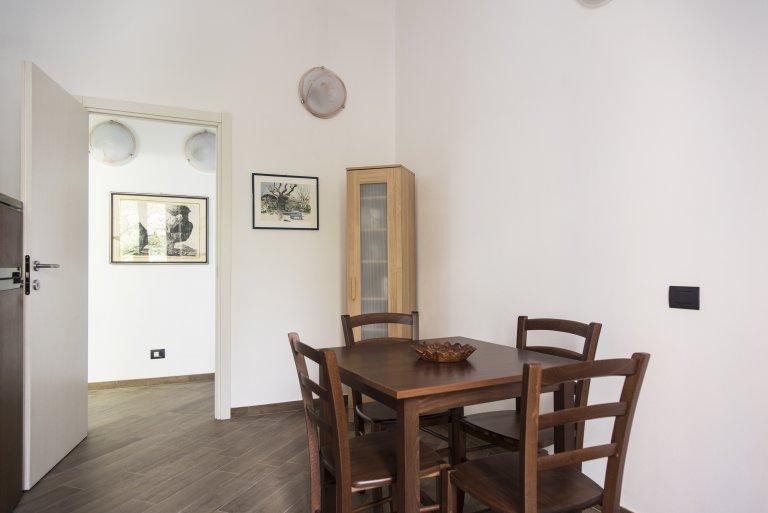 Apartamento luminoso com 2 quartos para alugar em Sempione, Milão