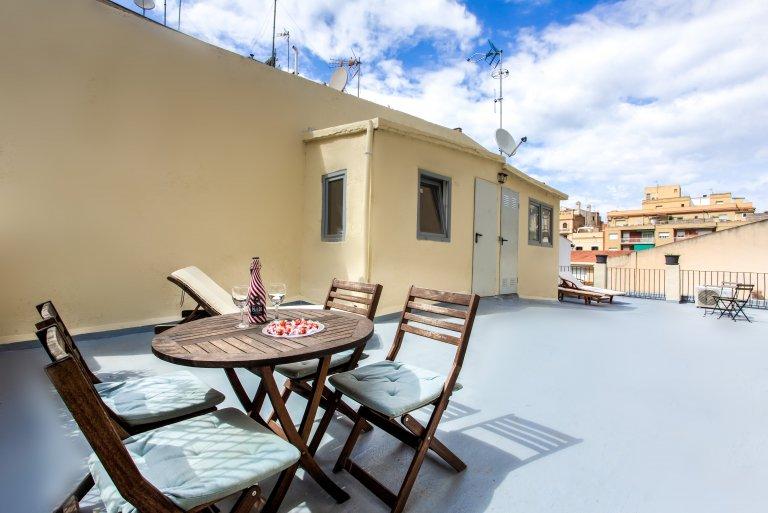 Niesamowite 2-pokojowe mieszkanie do wynajęcia w Gràcia w Barcelonie