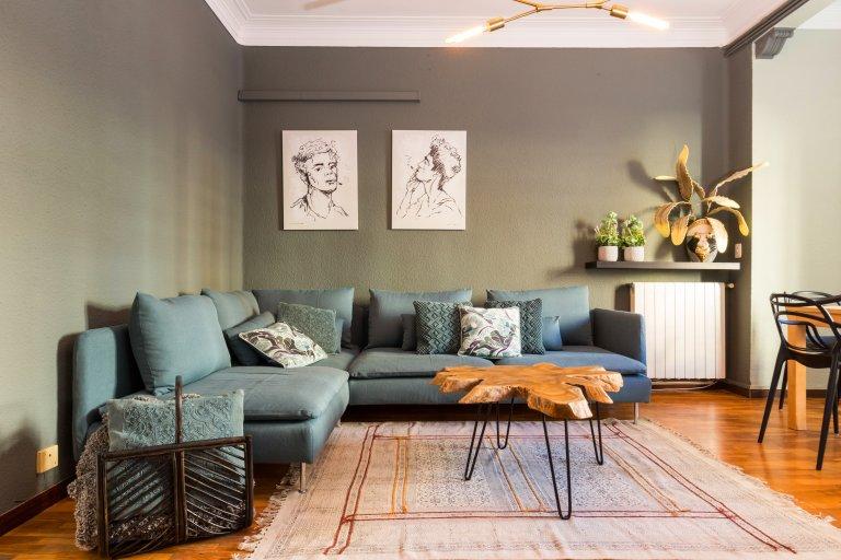 Geräumige 5-Zimmer-Wohnung zur Miete in Gràcia, Barcelona