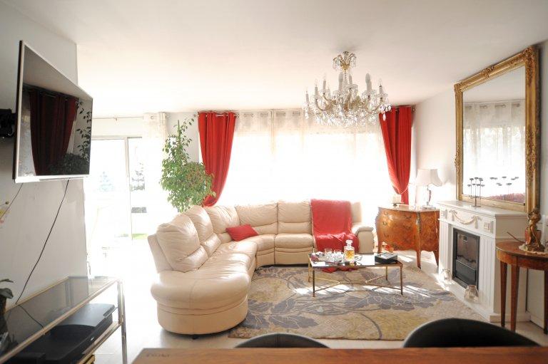 Mieszkanie z 2 sypialniami do wynajęcia w Paryżu 11