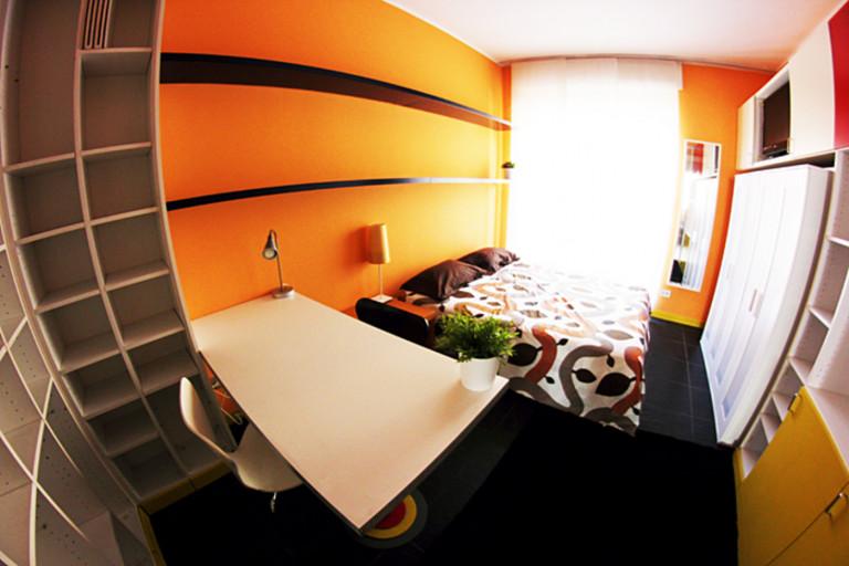 Habitación central en apartamento en Stazione Centrale, Milán