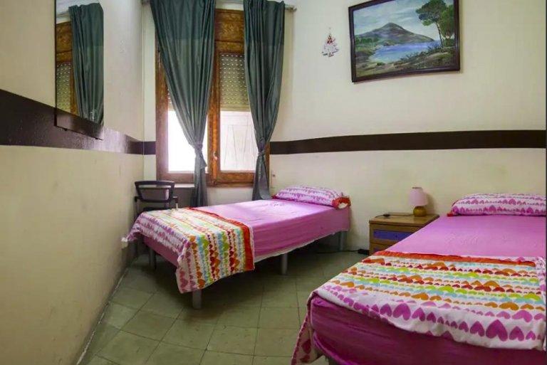 Zimmer in 10-Zimmer-Wohnung Sarrià-Sant Gervasi, Barcelona