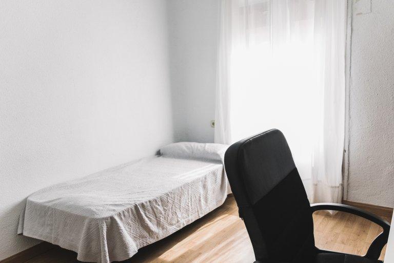 Sonniges Zimmer zur Miete in Chamberí, Madrid