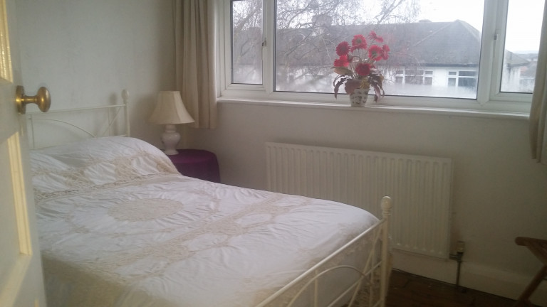 Ample room in 2-bedroom flat in Greenford, London