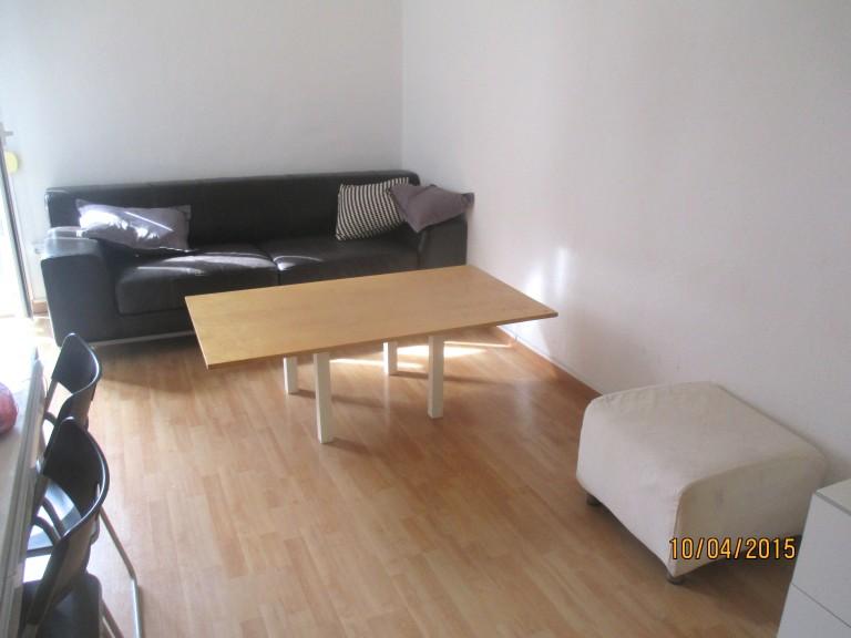 Gran apartamento de 2 dormitorios en El Raval, Barcelona