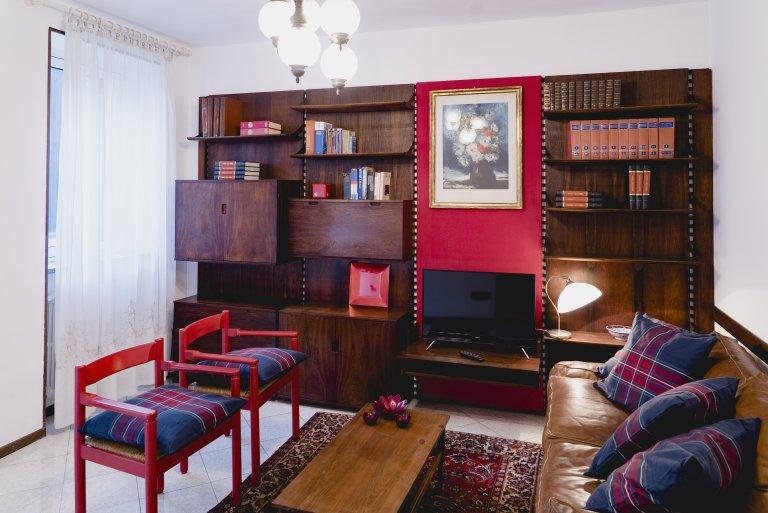 Elegante apartamento de 2 quartos para alugar em Affori, Milão