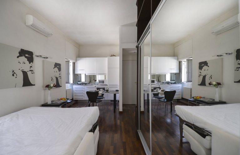 Studio-Wohnung zur Miete in Porta Romana, Mailand