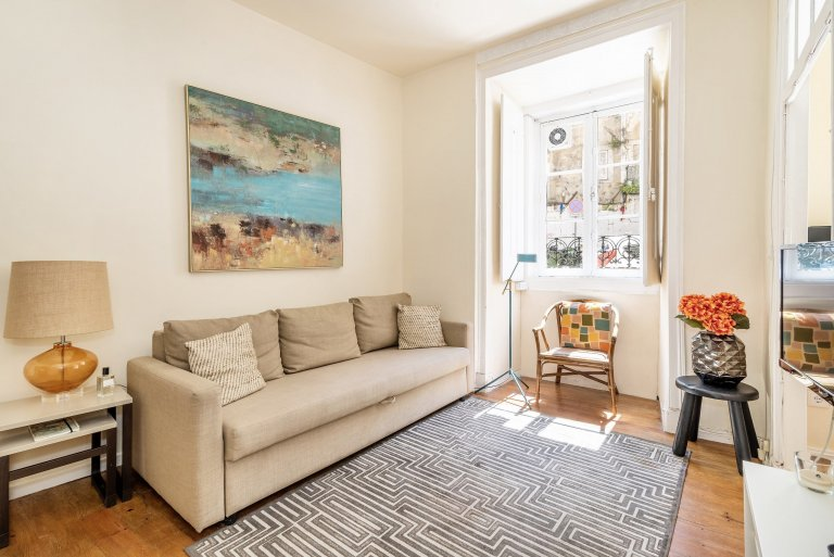 Appartamento con 1 camera da letto in affitto a Graça e São Vicente, Lisbona