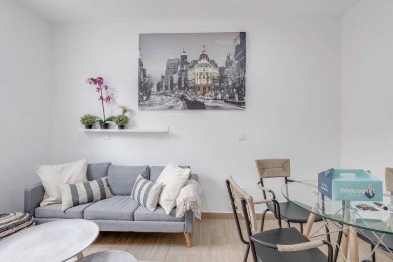 Przewiewny, 3-pokojowy apartament do wynajęcia w Acacias w Madrycie