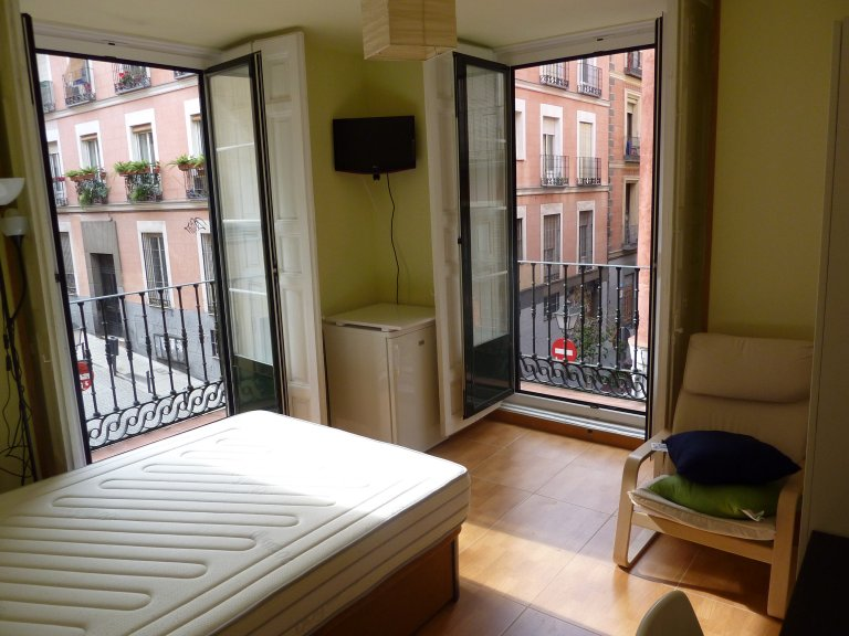 Exterior room in shared apartment in Malasaña, Madrid