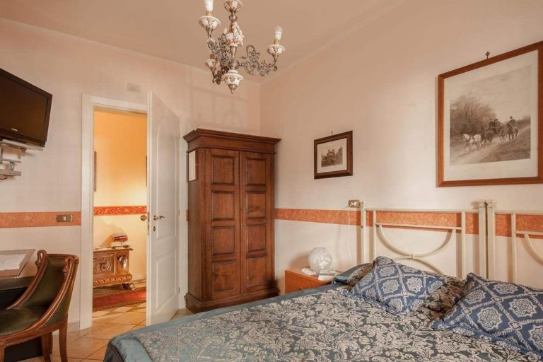 Room for rent in 2-bedroom apartment in Celio, Rome