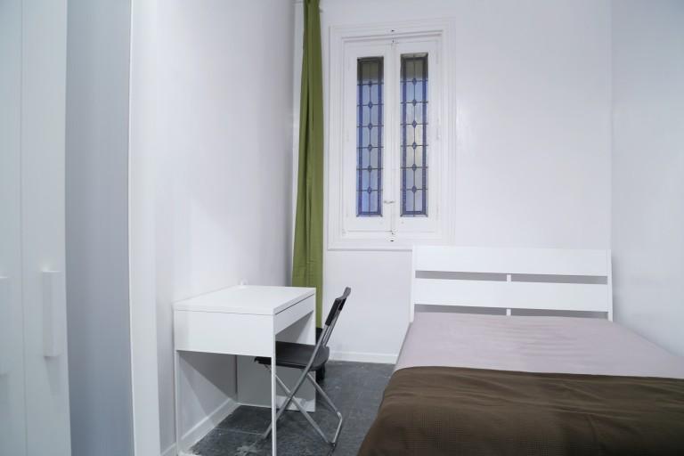Bedroom 2 - Double bed, interior
