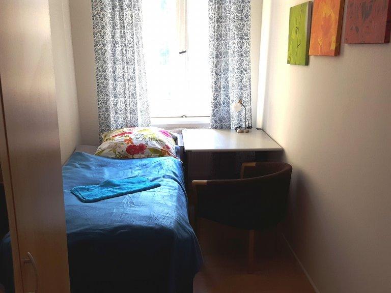 Chambre à louer dans appartement avec 3 chambres à Prenzlauer Ber