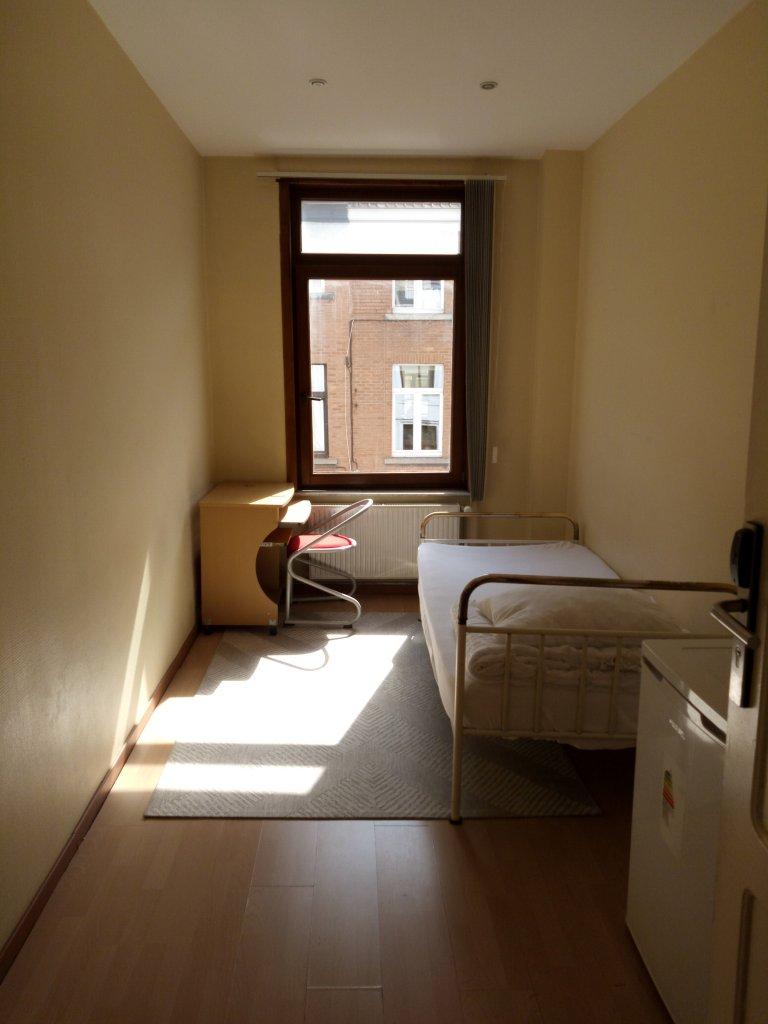 Quarto confortável na residência de 18 unidades, Saint Josse, Bruxelas