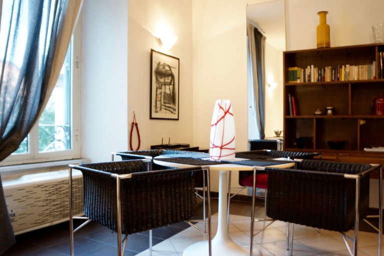 Large 1-bedroom apartment for rent in Trastevere, Rome
