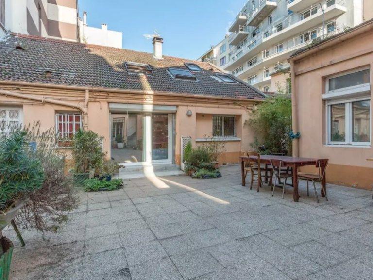 Casa con 2 camere da letto in affitto a Clichy, Parigi