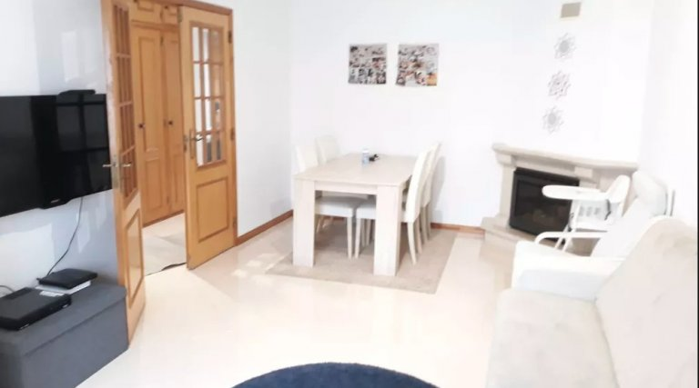 Room in shared apartment in Lisbon