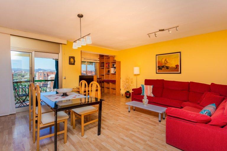 Brilhante, espaçoso apartamento de 3 quartos para alugar em Barcelona