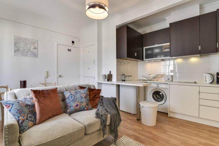 Sweet 1-bedroom for rent in Santa Maria dos Olives, Lisbon