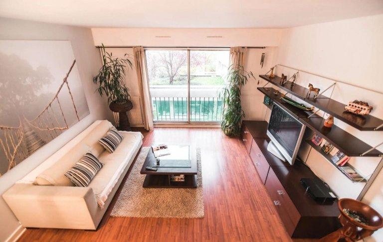 Spacious 2-bedroom apartment for rent in Paris' 13th Arron.