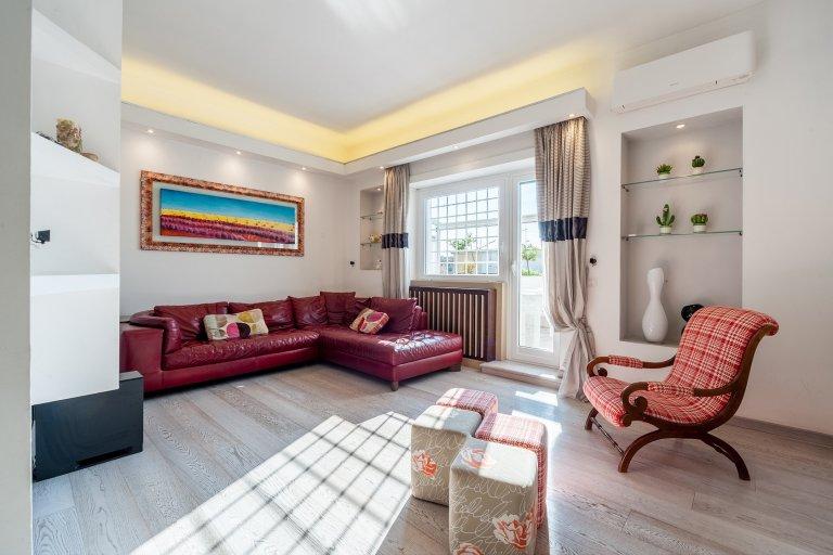 Appartement 3 chambres à louer à Treiste, Rome