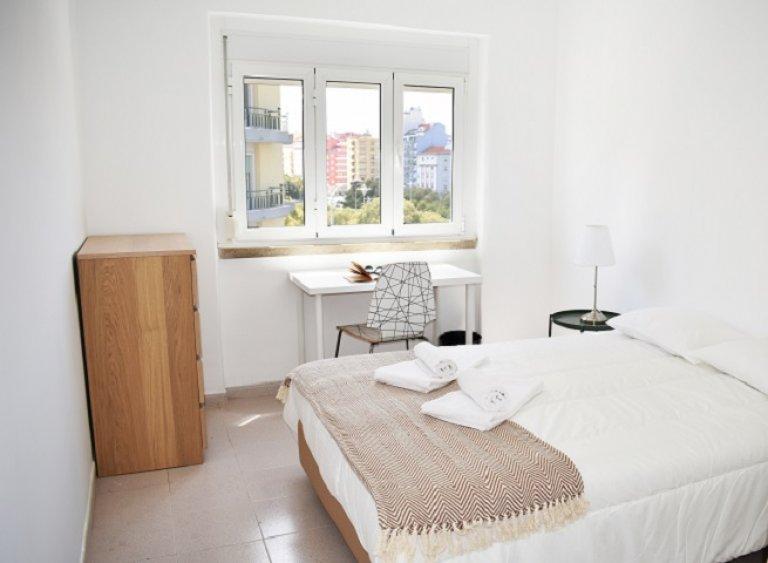 Room for rent in 8-bedroom apartment in Arroios