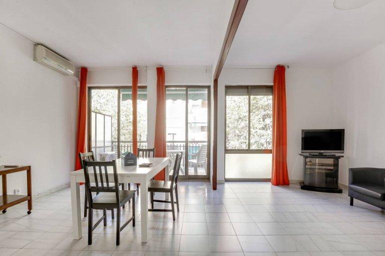 Lindo apartamento de 3 quartos para alugar em Eixample Dreta