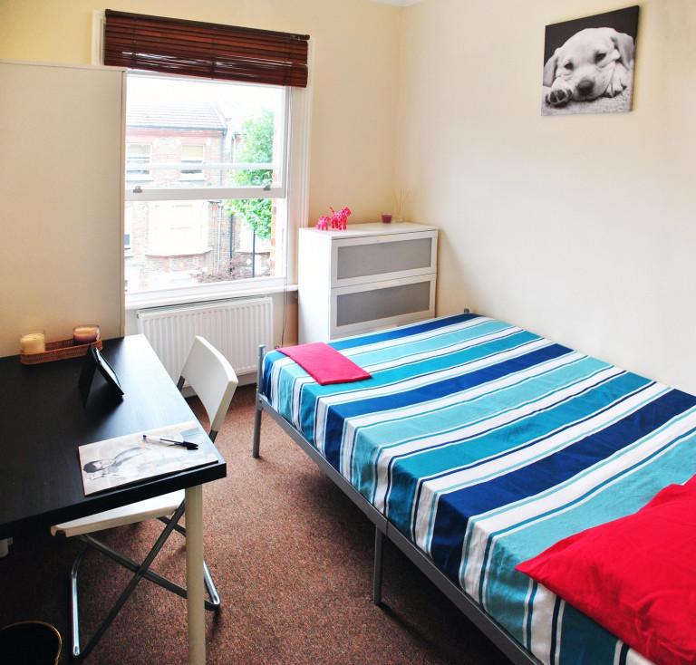 Bedroom 6 - Double bed