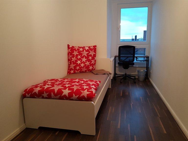 Quarto para alugar em apartamento com 7 quartos em Charlottenburg