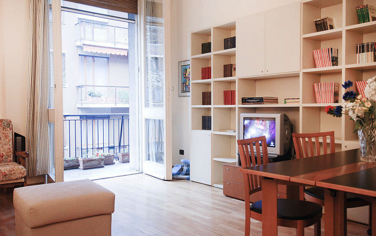 Elegant 2-bedroom apartment for rent in Milan