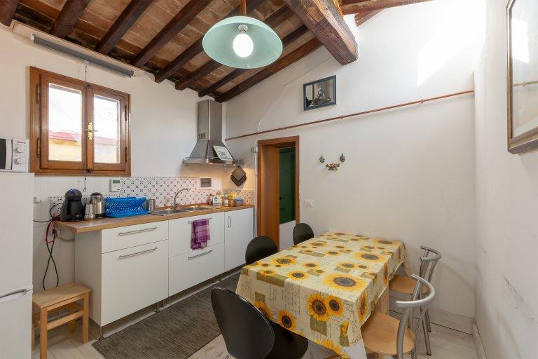 Habitación en piso compartido en Florencia