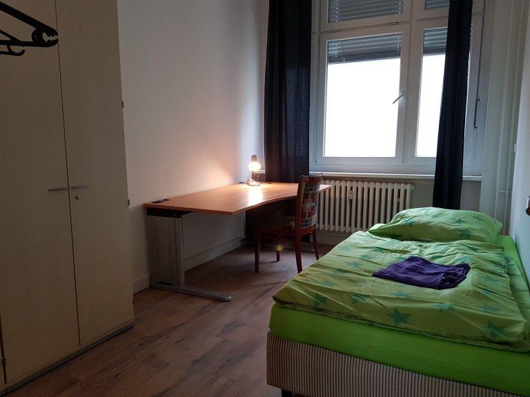 Light room in 5-bedroom apartment in Mitte, Berlin