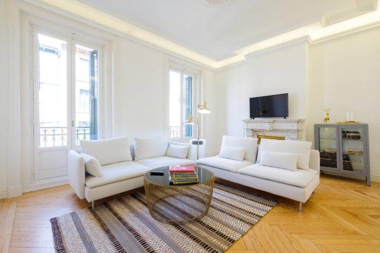 Apartamento de 4 quartos para alugar em Madrid Centro