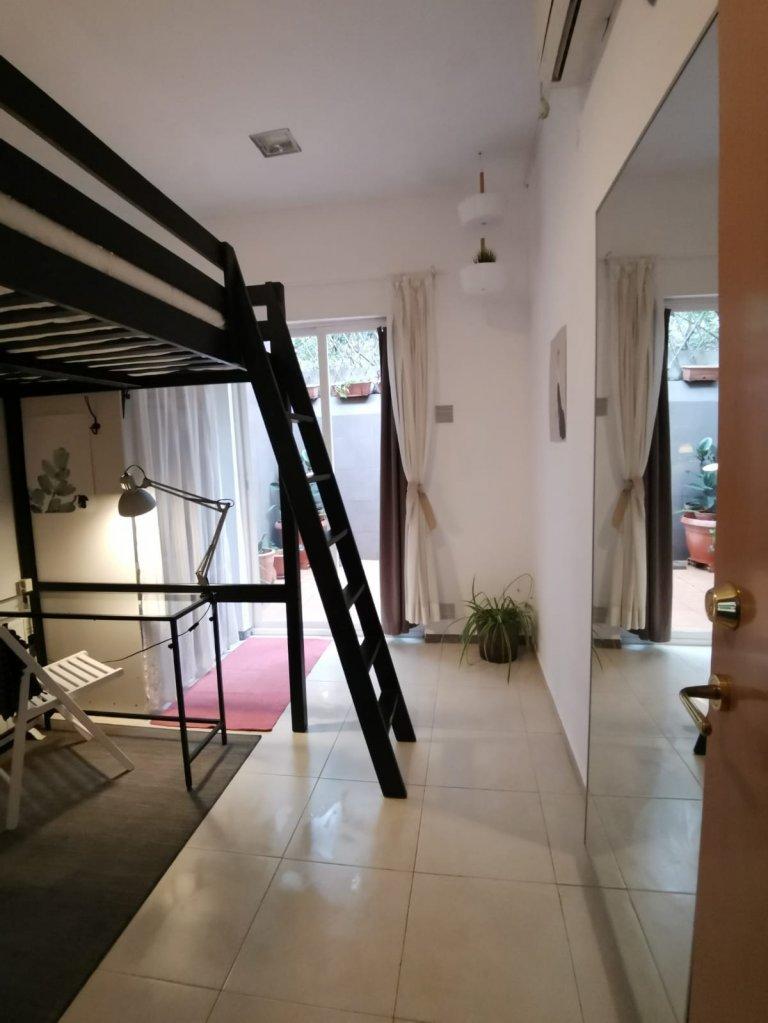 Habitación en piso compartido en barcelona.