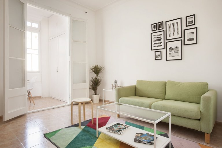 4-pokojowe mieszkanie w L'Esquerra de l'Eixample, Barcelona