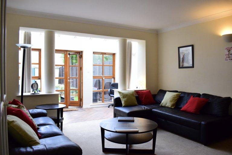 Świetne mieszkanie z 3 sypialniami do wynajęcia w Sandyford w Dublinie