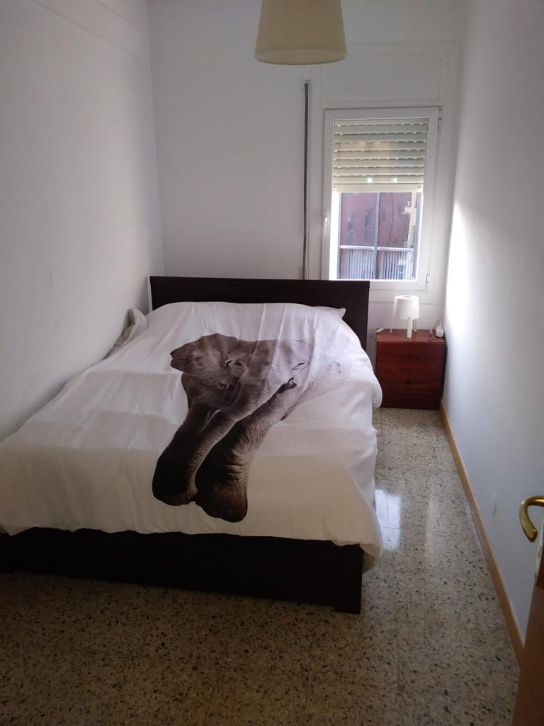 Pokój w apartamencie z 4 sypialniami w Esplugas de Llobregat