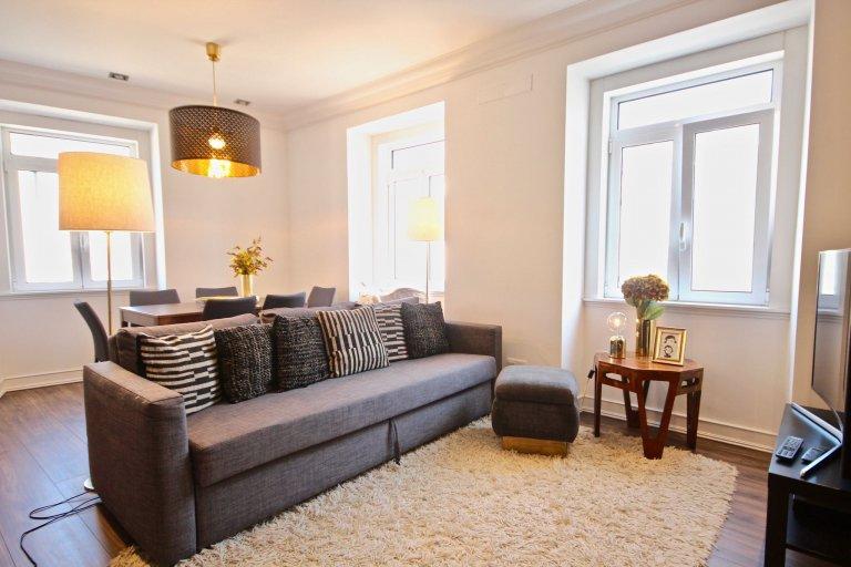 Elegante appartamento con 3 camere da letto in affitto a Penha de França, Lisbona