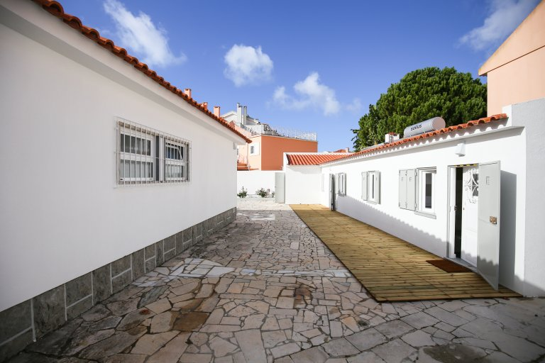 Room in shared apartment in Parede