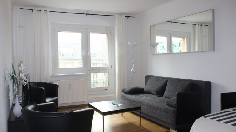 Modern 3-bedroom apartment for rent in Friedrichshain, Berlin