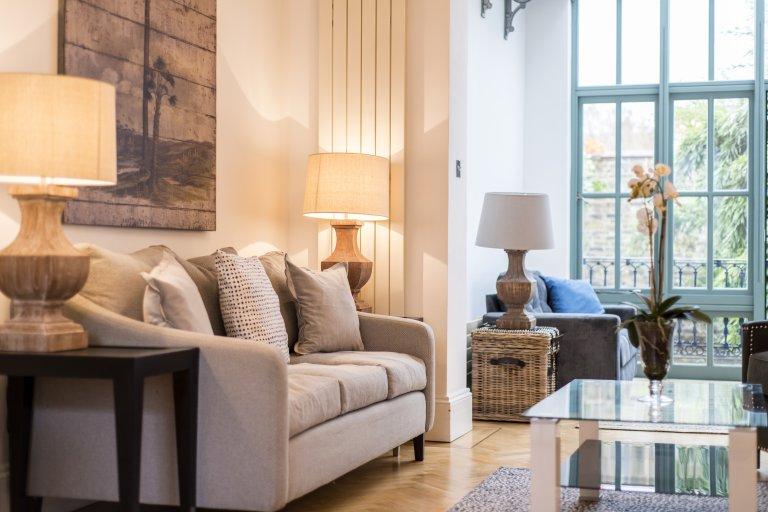 Dom z 5 sypialniami do wynajęcia w Kensington w Londynie