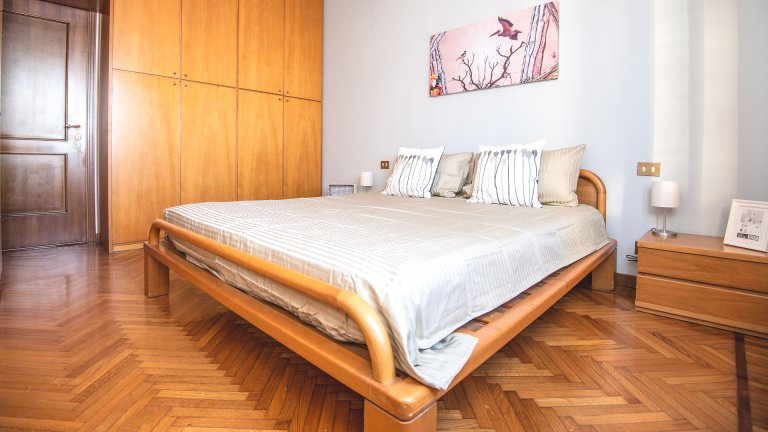 Zara, Milano'da 2 odalı kiralık oda
