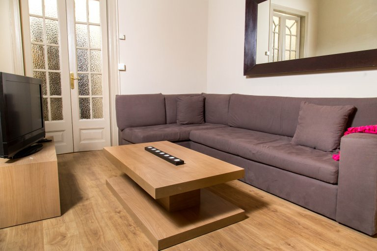 Spacious 5-bedroom apartment for rent in Eixample, Barcelona
