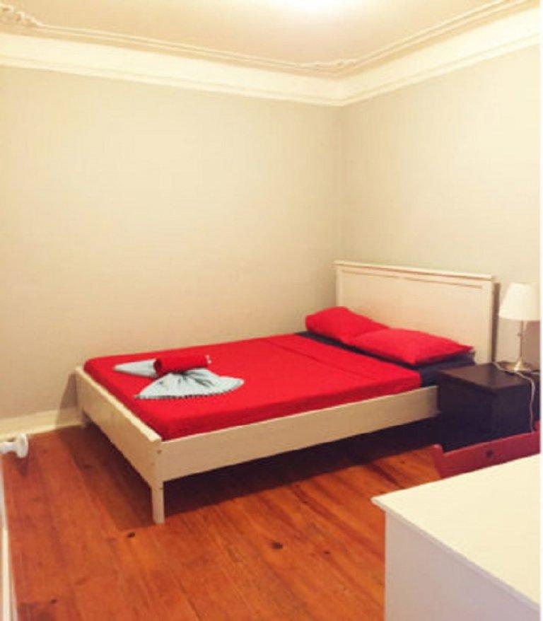 Acogedora habitación para alquilar, apartamento de 3 dormitorios, Misericórdia, Lisboa